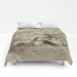 lonesome wolf Comforters