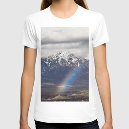 Rainbow and mountains after the storm T-shirt