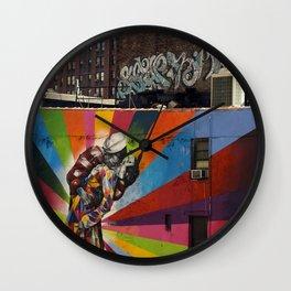 NY Kobra kiss Wall Clock