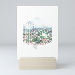 Es zeigt eine stadt mit einer Seilbahn Design Mini Art Print