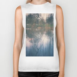 Under the weeping willow Biker Tank