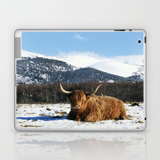 HIGHLAND COW IN THE SNOW Laptop & iPad Skin