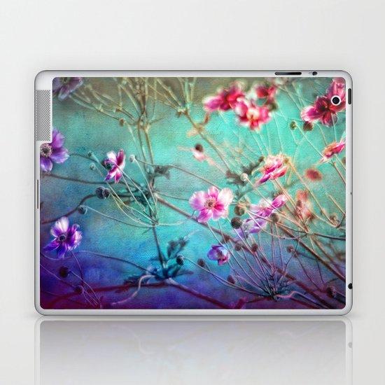 FLEURS DU PRÉ III - Wildflowers in painterly style Laptop & iPad Skin