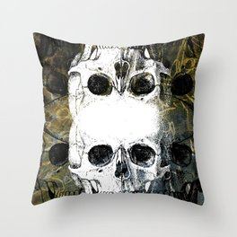 Skull Graffiti 1.0 Throw Pillow