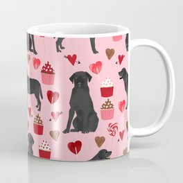 Black Lab valentines day pattern gifts dog pattern with hearts and cupcakes perfect for valentine Coffee Mug