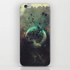 βyrd wyrld iPhone Skin