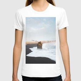 Black Sand Beach, South Iceland T-shirt