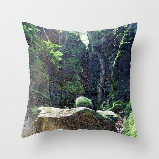 natura 3 Throw Pillow