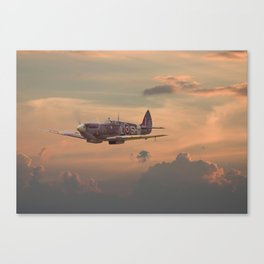 Spitfire - Evening return Canvas Print