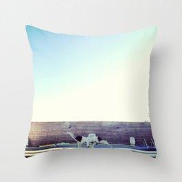 Serie #uneviedechien // 5/20 Throw Pillow