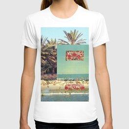 Pillow on the beach T-shirt