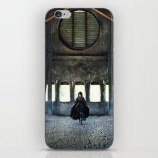 Bellona iPhone & iPod Skin