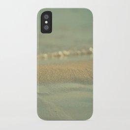 Días Fríos iPhone Case