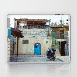 Blue in Safed Laptop & iPad Skin