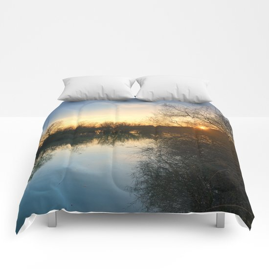 Spring sunrays Comforters
