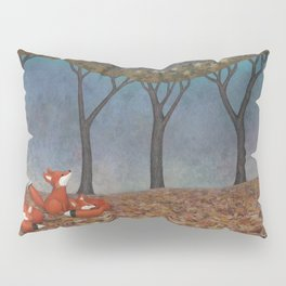 sleepy foxes Pillow Sham