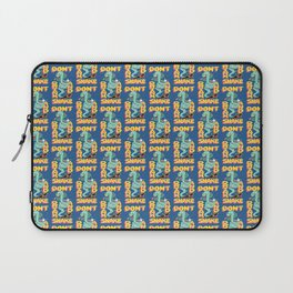 DON'T DRINK AND SNAKE Laptop Sleeve