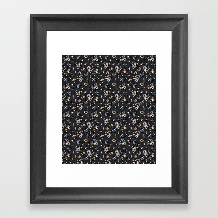 Baby Symbols Scribble - Black Chalkboard Gerahmter Kunstdruck