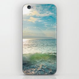Pā'ako Beach Iridescence iPhone Skin