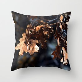 Winter oak leaves Throw Pillow