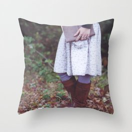 Bookish 03 Throw Pillow