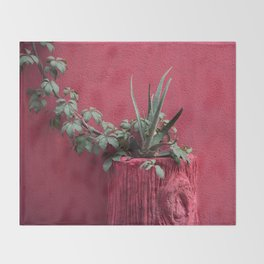 Pink and plant Throw Blanket