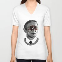 fargo V-neck T-shirts featuring Martin Freeman - Fargo by Cécile Pellerin