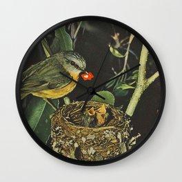 Birdie likes Wall Clock