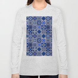 -A34- Blue Traditional Floral Moroccan Tiles. Long Sleeve T-shirt