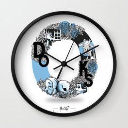 O DOKS Wall Clock