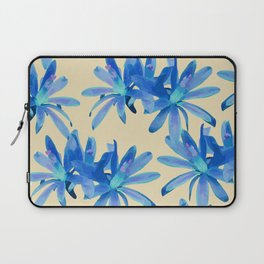 MATUCANA IN AQUAMARINE Laptop Sleeve