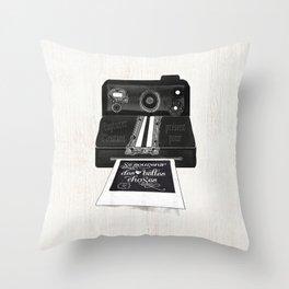 Se souvenir des belles choses Throw Pillow