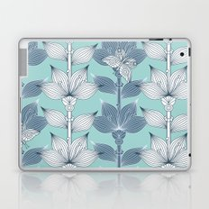 WHITE AND BLUE FLOWERS Laptop & iPad Skin