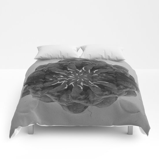 GEOMETRY2 Comforters