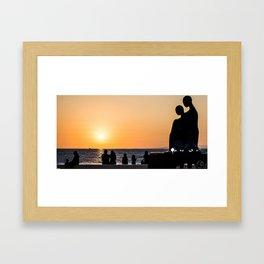 En la misma direccion Framed Art Print