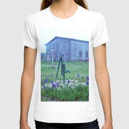 Vintage Barn Scene T-shirt