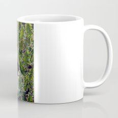 wall-E in the bushes Mug
