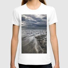 Storm Drama at Swami's Reef, Encinitas, California T-shirt