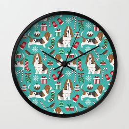 Basset Hound christmas pattern print pet friendly dog breed art for holiday decor Wall Clock