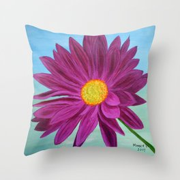 Daisy/close up Throw Pillow