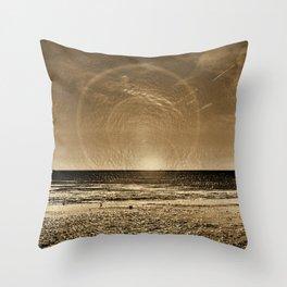 aspiciens ut Sol Temperat Throw Pillow