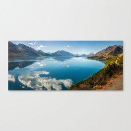 Breathtaking View of Lake Wakatipu in New Zealand Canvas Print