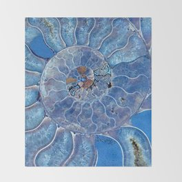 Blue seashell -mother-of-pearl - Beautiful backdrop Throw Blanket