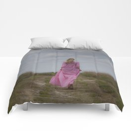 Waking on a rural path Comforters