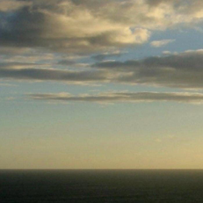 Clouds circling the Twelve Apostles Leggings