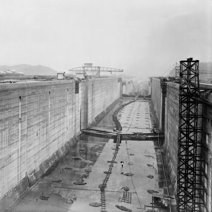 Panama Canal construction Comforters