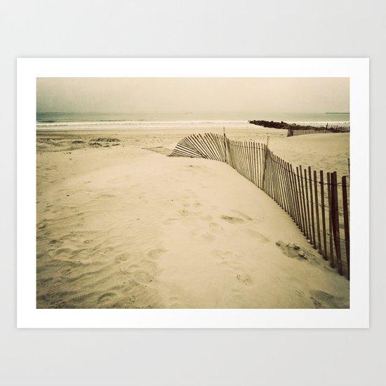 the seashore is calling me Art Print
