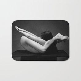 7487-MAK Flexible Nude Woman Erotic Black & White Naked Girl on Platform Bath Mat