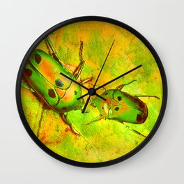 les amours des scarabées chinois Wall Clock
