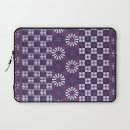 Flowers in the middle Laptop Sleeve